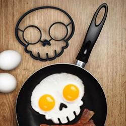 Силиконовая форма для яиц Череп